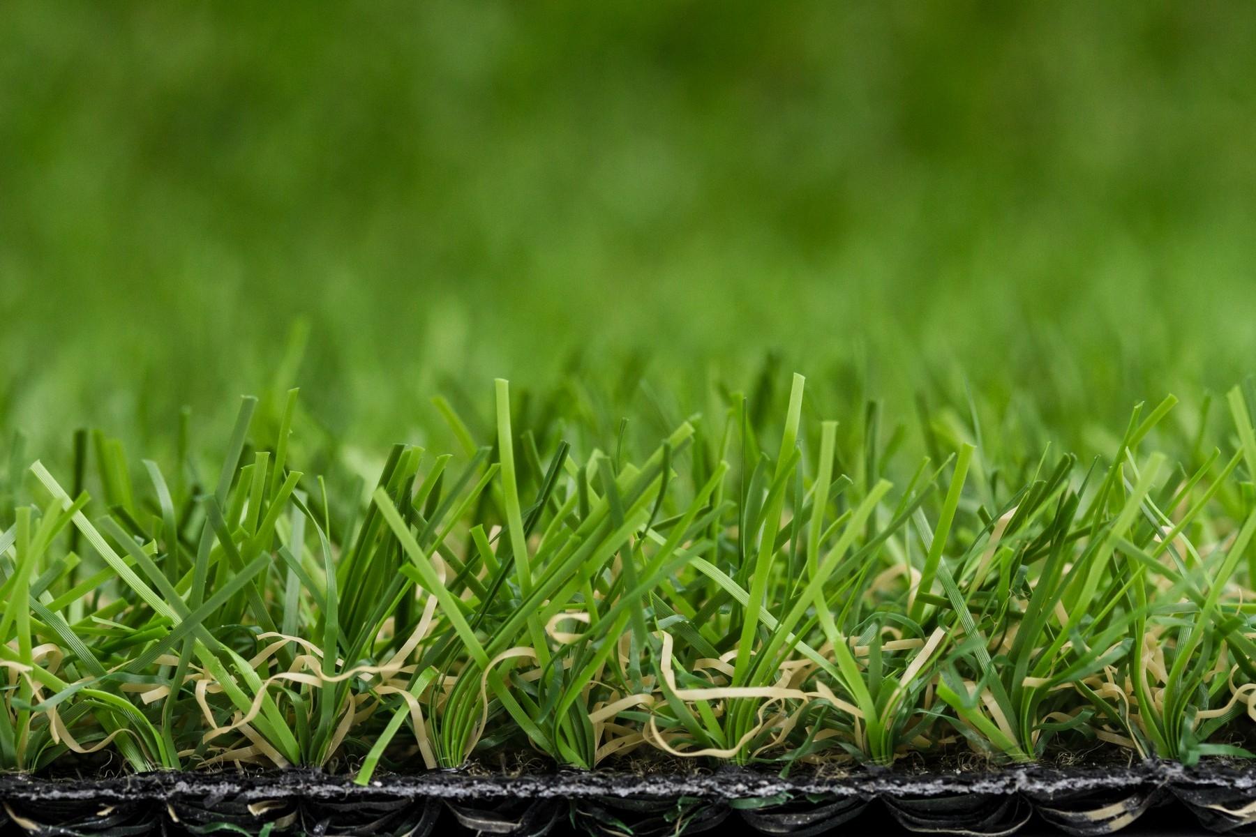 """Lifegrass """"Topper"""" is kwaliteitskunstgras met mosdraad en een realistische uitstraling"""